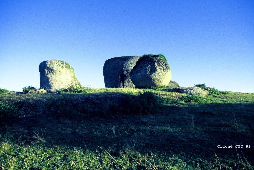 Le Tour de Gaule des merveilles de granite : La Gâtine. (4/6)