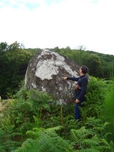 déjà à l'été 2012, le roc de la Poire est fendue par une mine.